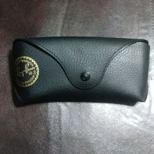 RAY-BAN SUNGLASS CASE WITH LENS CLOTH ONLY .NO GLA